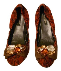 Dolce&Gabbana Design Rhinestone Accents Chic And Comfortable Made In Italy Maroon/Black Flats