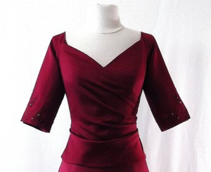 Venus Bridal Burgundy Satin Style X023 Formal Bridesmaid/Mob Dress Size 8 (M)