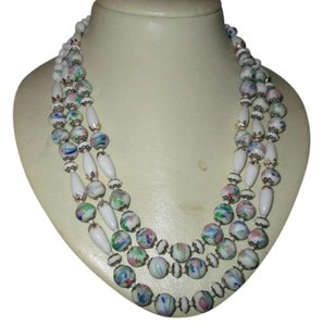 Other Vintage triple strand beaded