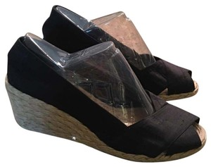 Lauren Ralph Lauren Black Wedges