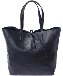Leather market Tote in Black