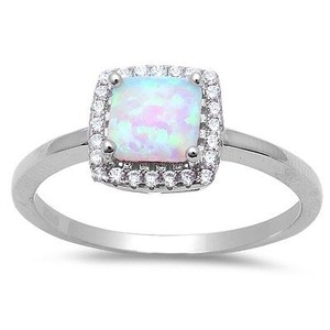 9.2.5 Stunning opal and white sapphire cocktail ring size 7