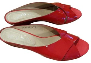 Attilio Giusti Leombruni Patent Leather Criss Cross Low Heels Heels Red Sandals