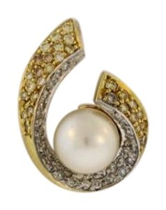 Other 18k Gold Swirl Pearl Diamond Pendant (1.5 cttw)
