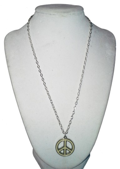 "Handmade Handmade White Color Peace Sign Stainless Steel 18"" Chain Necklace"