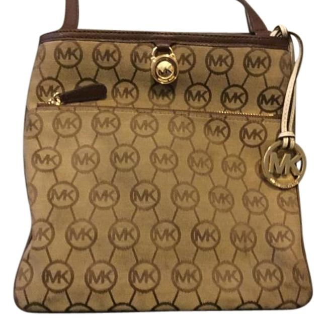 Item - Brown Monogram Cross Body Bag