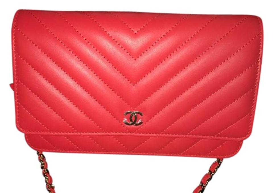 91aed748c333 Chanel Wallet on Chain Rare New Limited Edition Red Chevron Leather Clutch