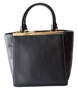 Michael Kors Handbag Tote Satchel in Black