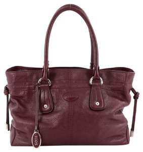 Tod's Tods Leather Tote in Burgundy