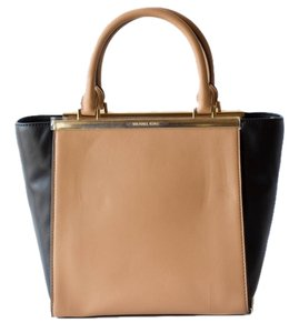 Michael Kors Tote Handbag Satchel in Black/Brown