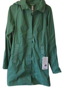Lululemon Nwt Lululemon Rain On Jacket Size 8 Vintage Green