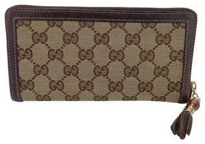 Gucci Gucci Signature GG Canvas Zip Wallet w/Bamboo Tassel