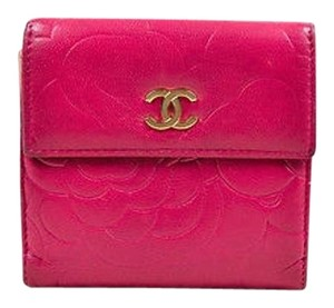 Chanel Chanel Berry Pink Lambskin Leather Floral Embossed Camellia Compact Wallet
