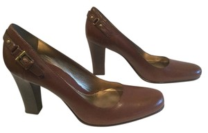 Kenneth Cole Vintage All Leather Brown Pumps