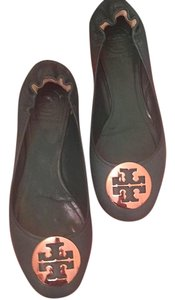 Tory Burch Derby green / gold logo Flats