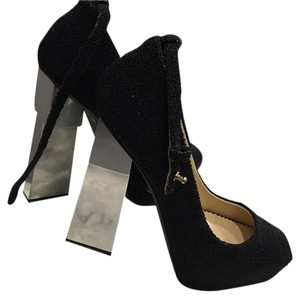 Aperlaï Black Pumps