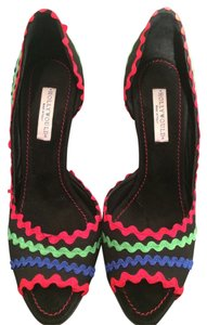 Hollywould D'orsay Pump Trim Black canvas with red, blue and green ric rac trim. Pumps