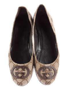 Gucci Round Toe Gg Beige, Brown Flats
