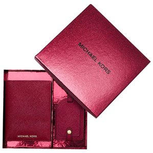 Michael Kors Michael Kors Passport Travel Boxed Gift Set
