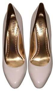 Charles David White Pumps