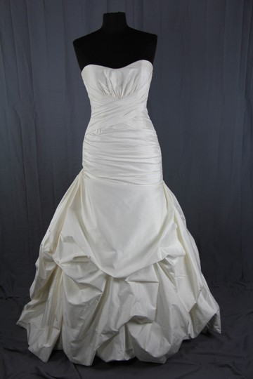 Paloma Blanca Natural White Silk Dupioni 4156 Feminine Wedding Dress Size 6 (S) Image 2