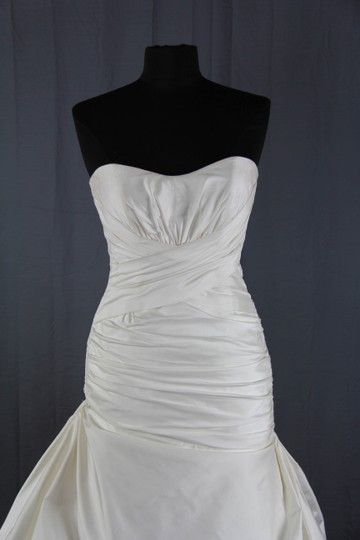 Paloma Blanca Natural White Silk Dupioni 4156 Feminine Wedding Dress Size 6 (S) Image 3