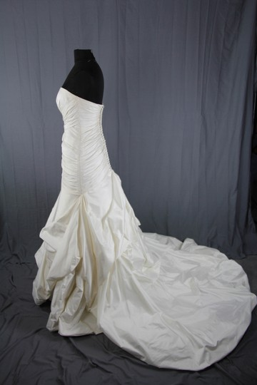 Paloma Blanca Natural White Silk Dupioni 4156 Feminine Wedding Dress Size 6 (S) Image 5
