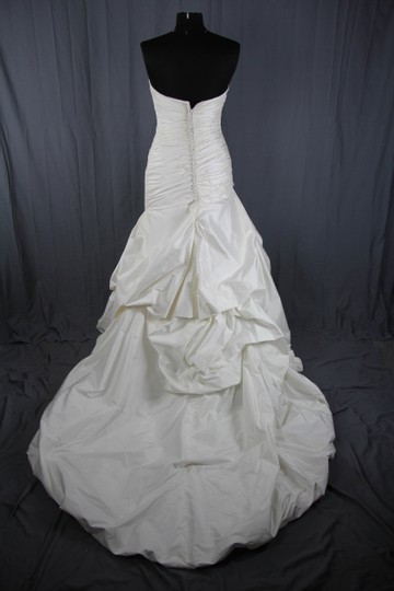 Paloma Blanca Natural White Silk Dupioni 4156 Feminine Wedding Dress Size 6 (S) Image 6