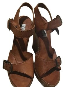 Chloé Brown Wedges