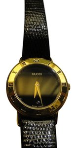 Gucci SALE Women's Gucci Watch Like New with Gucci Box Accurate Time