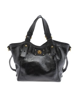Marc Jacobs Leather Patent Leather Tote in Black