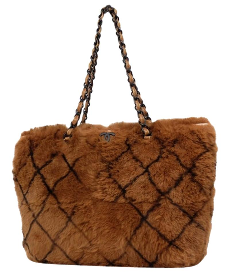 ce94b318db36 Chanel Rabbit Lapin Gst Neverfull Classic Tote in Brown Image 0 ...