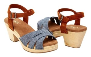 TOMS Beatrix Clog Sandal Clog Chambray Suede Mules