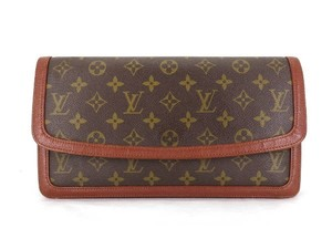 Louis Vuitton Xl Jumbo Flap monogram Clutch