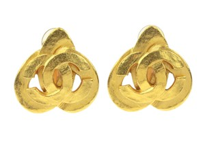 Chanel Vintage Gold CC Heart Earrings