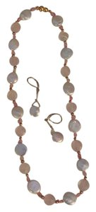 wht coin pearl/rose quartz/gold bead necklace w/earrings to match ......