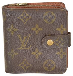 Louis Vuitton Monogram Compact Zippered Wallet with Coin purse M61667