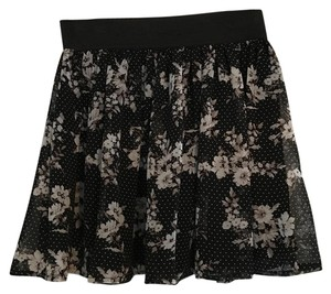 Forever 21 Going Out Mini Cute Floral Mini Skirt Black