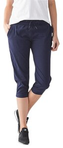 Lululemon Lululemon Dance Studio Crop II UnLined Navy Pant Size 6