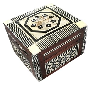 EGYPT INTRICATE MOTHER OF PEARL INLAID JEWELRY BOX-RED VELVET LINING