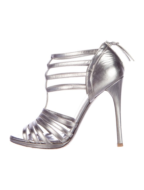 Item - Silver Metallic Caged Strappy Sandals Boots/Booties Size US 7 Regular (M, B)