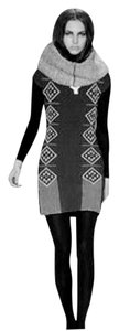 Voz short dress Black and white on Tradesy