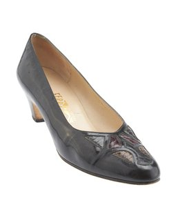 Salvatore Ferragamo Ferragamo Leather Black Pumps