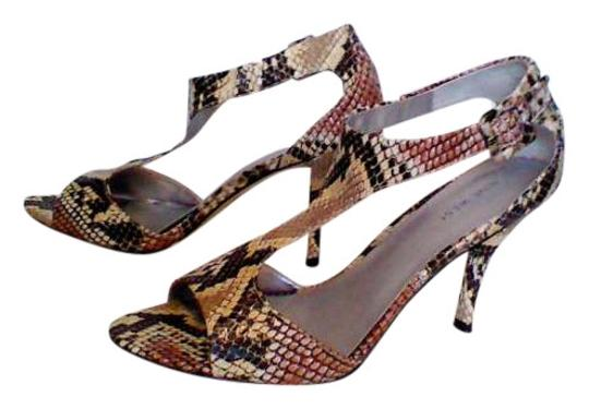 Nine West neutral colored snake skin Pumps