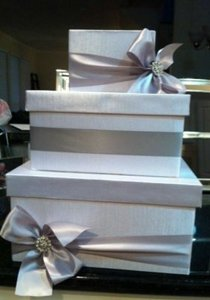 White/Greyish Box with Silver/Greyish Ribbon. 3 Card/ Money Other