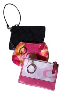 Coach Wristlet in Pink multi,raspberry multi,black