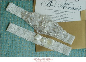 Pearl And Crystal Rhinestone Garter And Toss Garter Set
