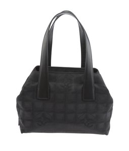 Chanel Cc Tote Satchel in Black