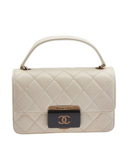 Chanel 107425 Shoulder Bag