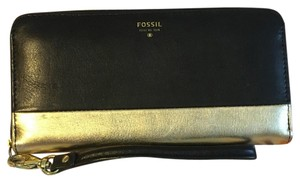 Fossil Wristlet in Black And Gold